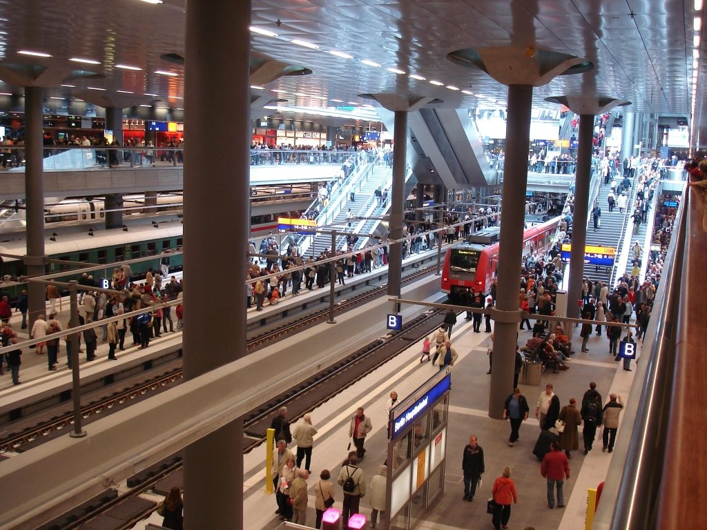 berlin_hauptbahnhof.jpg