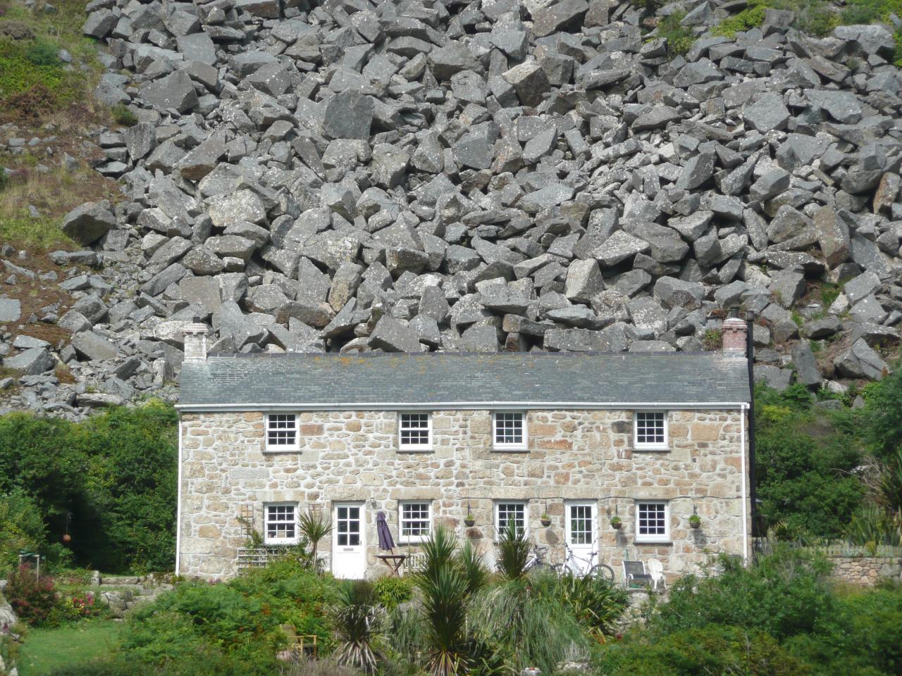 Felsen-Haus