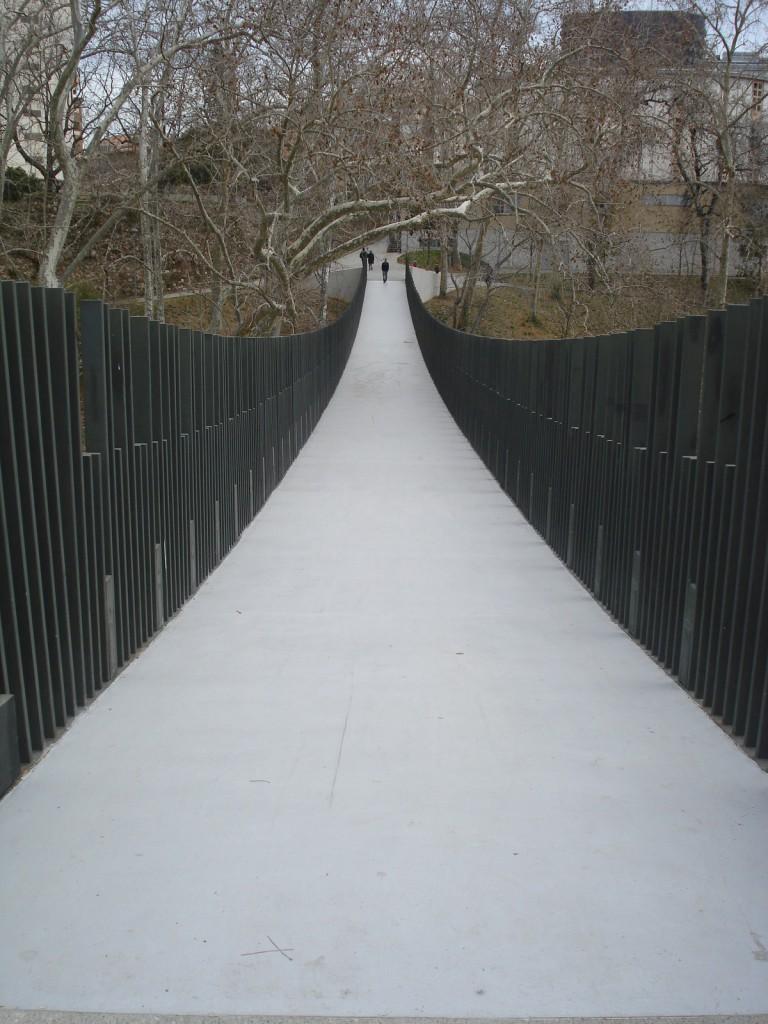 Brücke oder Sprungschanze?