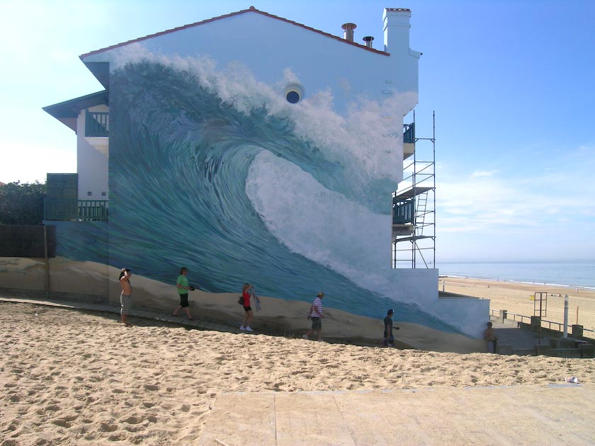 Wave on a mural in Hossegor by Dominique Antony